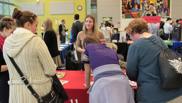 College fair draws region's high-school students