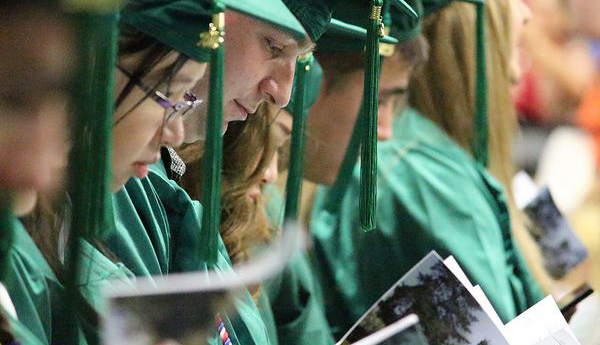 Graduates get warm reception at 2015 Commencement