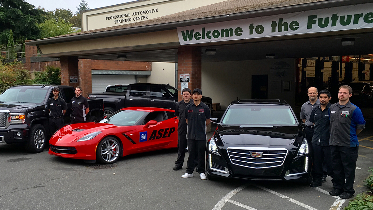 General Motors supports excellence in automotive education with donation to Shoreline